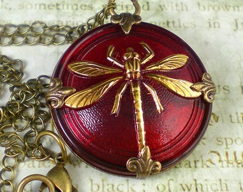 Dragonfly Necklace, Nature Jewelry, Pendant Necklace, Nature Necklace, Dragonfly Jewelry, Nature Lover Gift, Red Dragonfly Necklace