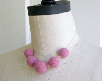 Rosy Balls - felted necklace