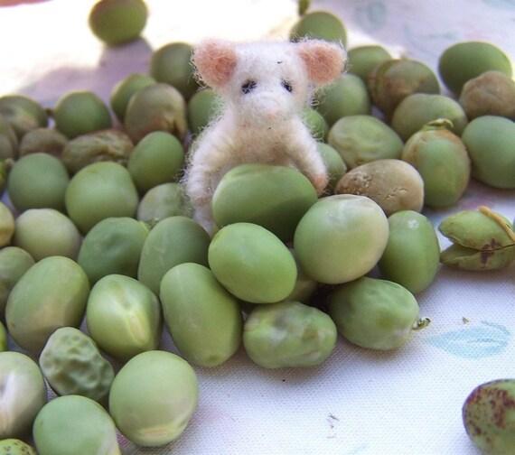 itsy bitsy teeny tiny baby felted mouse...