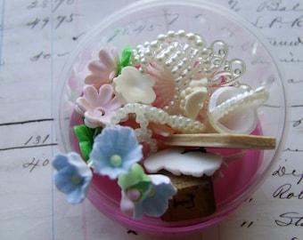 Art Bits --Bubble Gum Toys for Artists