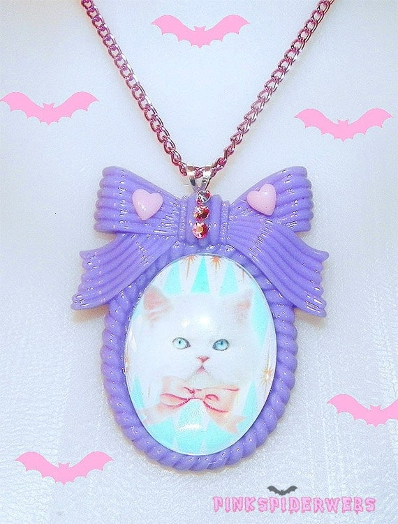 Pastel Lilac Kitty Cameo Necklace