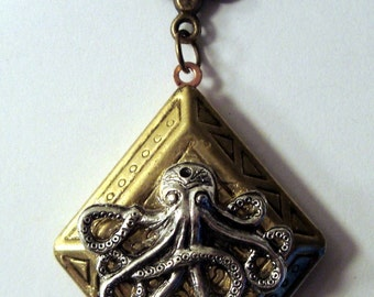 Beautiful Victorian Steampunk THE DIAMOND OCTOPUS Brass Diamond Locket Necklace