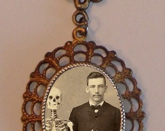 Beautiful Victorian MEDICAL STUDENT Skeleton Skull Victorian Silver-Tone Filigree Necklace Pendant