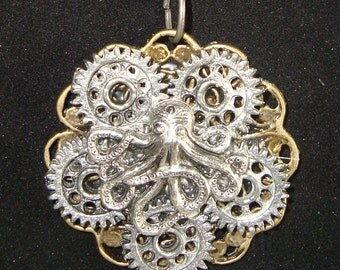 Victorian Steampunk Necklace Industrious Octopus Clock Gear NEW Surreal