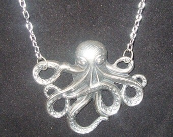 Giant Silver-tone Octopus Victorian Steampunk  Necklace Necklace NEW