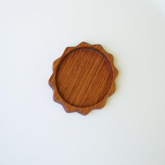 Brooch Setting - Pendant Blank - Wooden Bezel - Handmade by Artbase - Mahogany Wood - Oval - (B1)