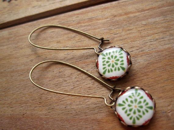 Mexican jewelry, Mexican Talavera ceramic tile design cabochon, green, Southwestern jewelry, drop earrings, long dangle earrings, Boho