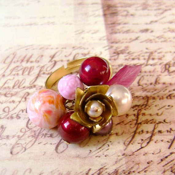 SALE/Pink Champagne Bubble Ring, Vintage Lucite Beads and Rose Brass Ring, Victorian Charm Ring