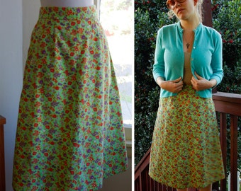 Emerald Garden 1960's Vintage Light Green Skirt with Red Orange Flowers size Small
