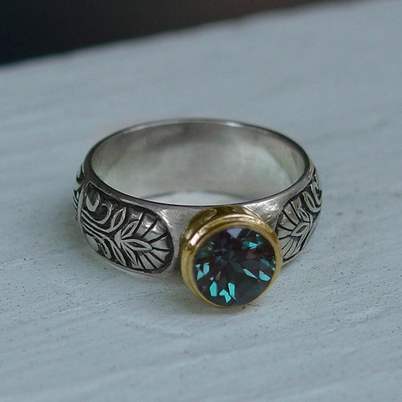 ALEXANDRIA ring with Alexandrite in 14K and silver