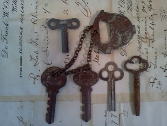 Five Shabby Metal Keys and Bottle Opener. Steampunk. Rust. Group 3.