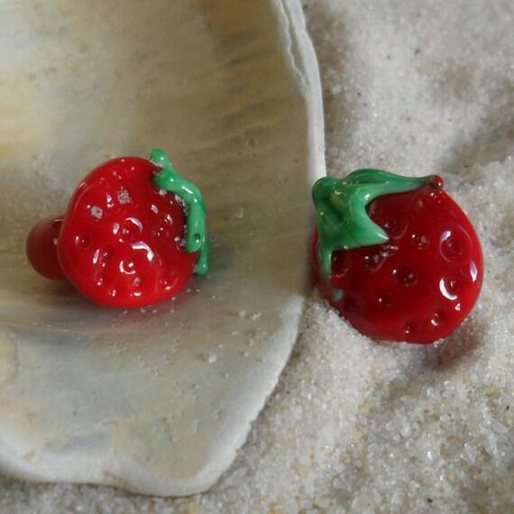 Lampwork Strawberry Button Pair, Handmade Glass Shank Buttons SRA LETEAM Glassymom