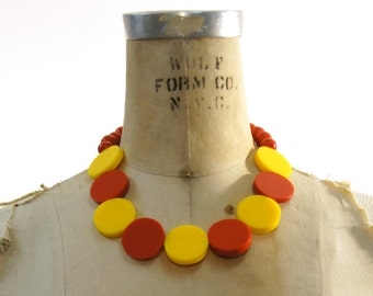 80s Modernist Necklace / Vintage 1980s Pop Art / New Wave/  Memphis Era / Avant Garde / Mod / Punk Disc Necklace in Red and Yellow