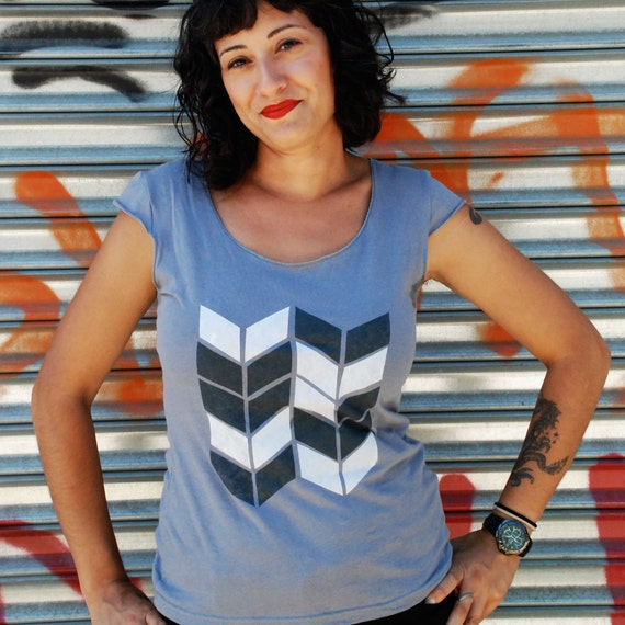 SALE TEE Small only - Chevron womens silkscreen tshirt, gray cap sleeve womans tops