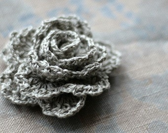 Crochet Linen Rose Brooch - natural linen