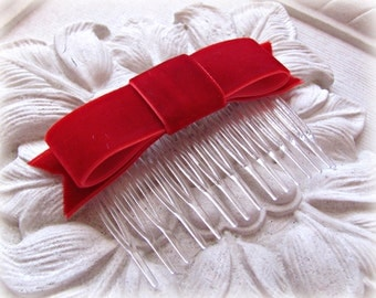 Red Velvet Bow Hair Comb.Red Velvet Bow Hair Clip.Christmas Red.Red Velvet fascinator.Classic Bow.Headpiece.Bridesmaid.Wedding.Flower Girl