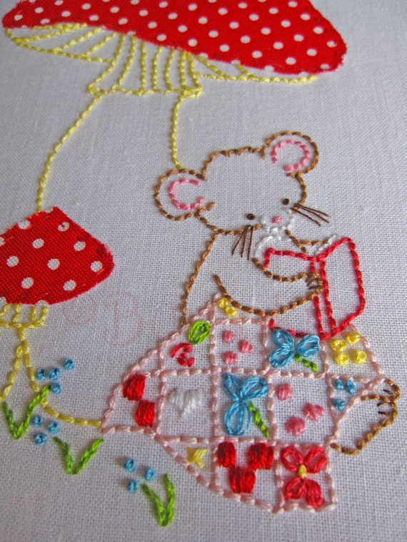 Sweet Stories Hand Embroidery PDF Pattern - Mouse Embroidery