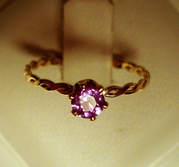 Alexandrite Ring color change violet to pink lab grown - 14k gold filled eco friendly - Prong set solitaire - Custom made in your Size