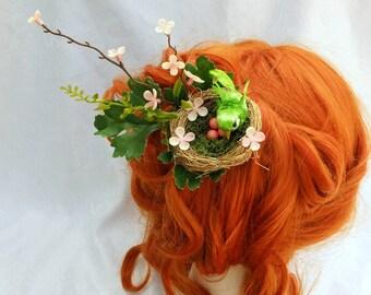 Nesting Bird Hair Fascinator, Bridal Hair, Spring Nest Hair Clip, Unusual Fascinator, Forest Fascinator, Woodland Hair Clip, Green Bird