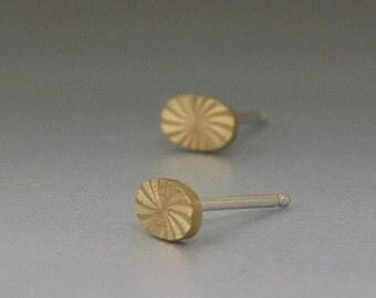 Oval Starburst Brass Stud Earrings