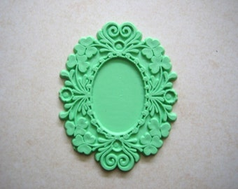 CLOSEOUT FIVE settings  Shabby Chic (5)  setting for cameo or cabochon apple green (5)