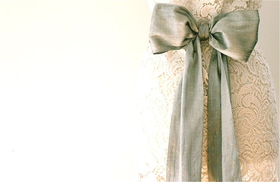 Silk wedding sash, White Bridal sash, Wedding belt, Bridal belt, Silk sash, Bridesmaid sash, Belts and Sashes, Vintage wedding, Silver sash