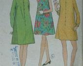 McCall's 8761, 1960s shift dress