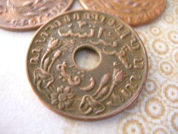 Vintage Dutch East Indies Coins 23mm with large center hole 1945 lot of 5 ETHNIC ELEMENTS