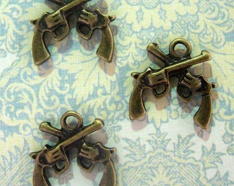 10 pistol gun pendant charms, brass plated revolver pendants