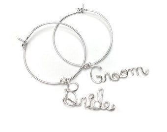 Bride and Groom Wine Charms, Wedding Favor, Custom Wine Glass Charms, Mr and Mrs