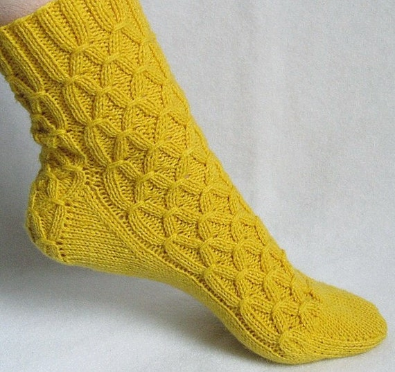 Knitting Socks Design : Knitting sock pattern spun gold honeycomb smocking