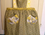 Retro Women's Ruffled Apron with Pockets in Grey and Yellow