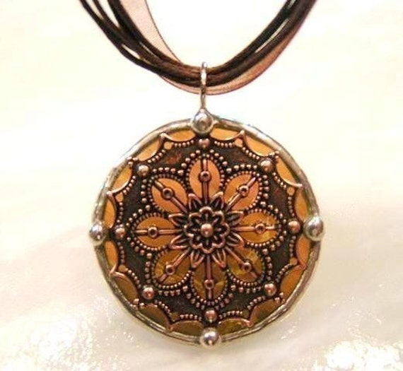 Round Stained Glass and Filigree Pendant (SGV-P1)