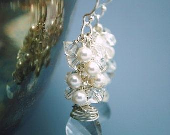 Wedding Earrings, White Pearl Cluster Bridal Earrings, Swarovski Crystal Earrings, Bridal Jewelry, Bridesmaids Gifts, Dangle Earrings