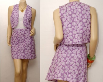FLOODING DAISIES . vintage gingham vest and mini skirt . fits a medium to large