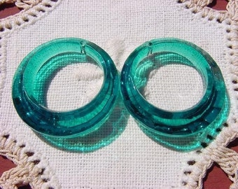 Emerald Teal Facetted Hoops Vintage Lucite Beads Pendants
