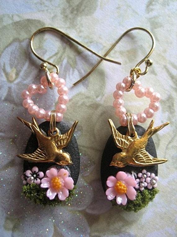 RESERVED FOR DEBORAH - Pink Love Birds In The Garden Earrings Kisses Romance Chic Feminine Girly Woman Stones Gold Black Princess