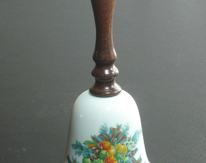 """Avon Fine Collectible 6.5"""" Christmas Bell 1985"""