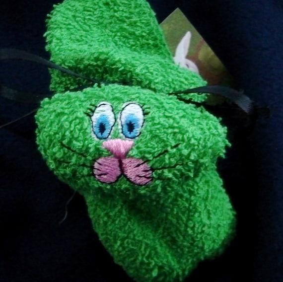Washcloth Bunnies: Boo Boo Bunny Embroidered Boo-boo Bunny Rabbit Ice Pack GREEN