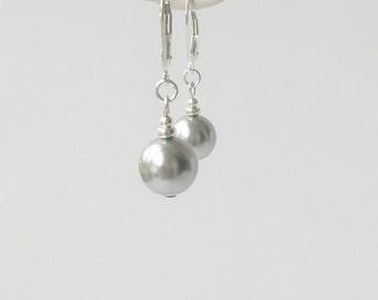 Light Grey Pearl Earrings, Gray Pearl Drop Earrings, Bridesmaid Jewelry, Simple Pearl Earrings, Wedding Party Gift,  Modern Jewelry