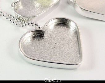 Silver Plated Heart Pendant Tray. 1.25 inch Silver Plated Pewter Setting.