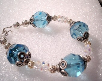 Deep Blue Sea - Bracelet - Swarovski Crystals