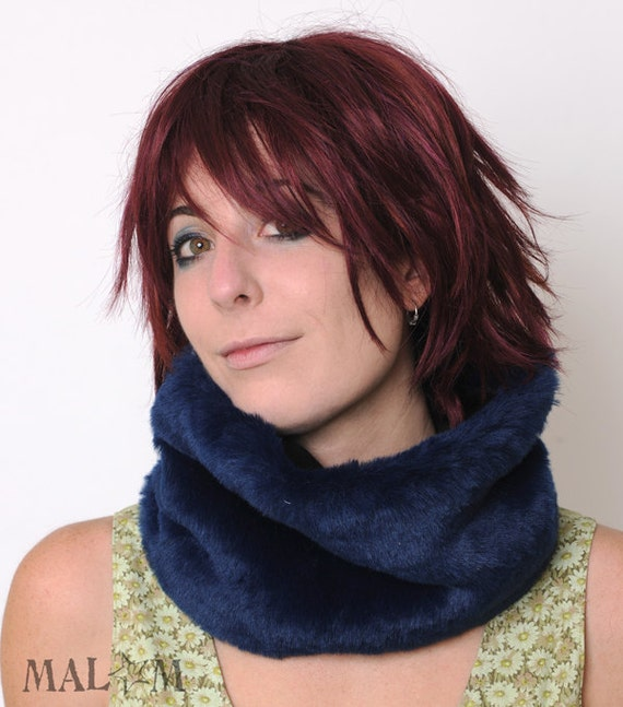 LAST ONE Blue Winter Cowl, Faux fur Cowl Scarf, Dark Blue cowl, Womens winter accessories, Warm winter scarf, Blue winter cowl