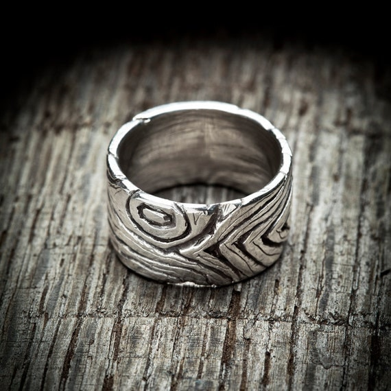 Wood Grain Ring in sterling silver - oxidized wood grain / bark pattern - Handmade unisex jewelry woodland wedding