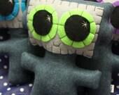 Needling Robot - Eco-friendly Felt Plush Robot with Big Kawaii Lime Green Eyes