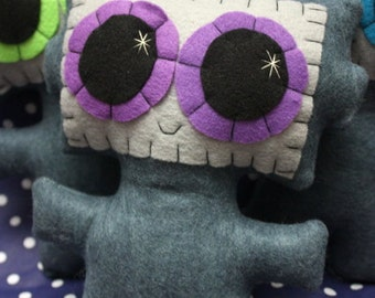 Needling Robot - Eco-friendly Felt Plush Robot with Big Kawaii Purple Eyes
