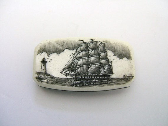 Scrimshaw Money Clip Knife with Horizontal Ship and Lighthouse