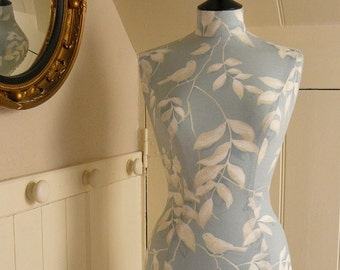 Display Mannequin Blue Bird Laura Ashley Dressform Display - Ren