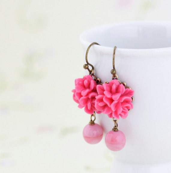 Pink Flower Earrings, Vibrant Pink Earrings, Pink Glass Bead, Bridesmaids Earrings, Spring Fashion