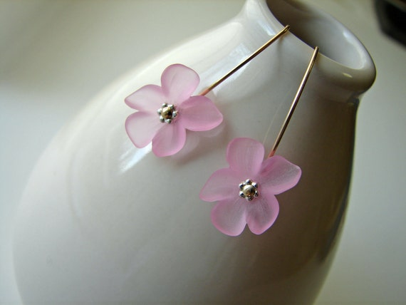 Lucite Flower Earrings - Pink Frosted